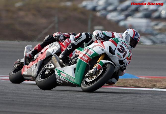 Honda | レイ、両レースで3位。最終戦を表彰台で終える