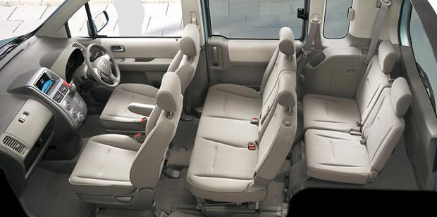Honda|モビリオ(2008年5月終了モデル)|内装|くつろぎと機能性にあふれる高質インテリア インテリアカラーはチタン