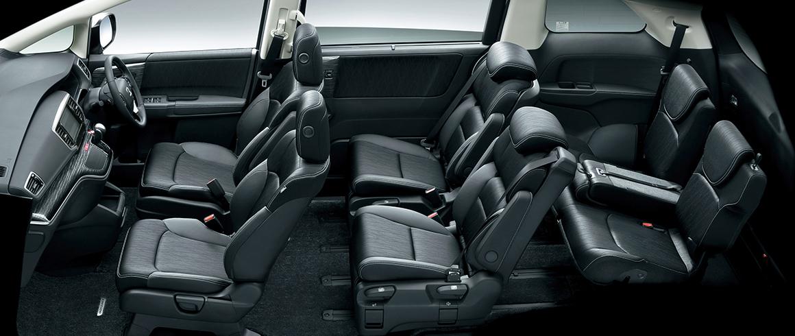 3列目シートの中央席を倒せば、乗る方全員が快適なモードに。また長尺物もラクラク積載。