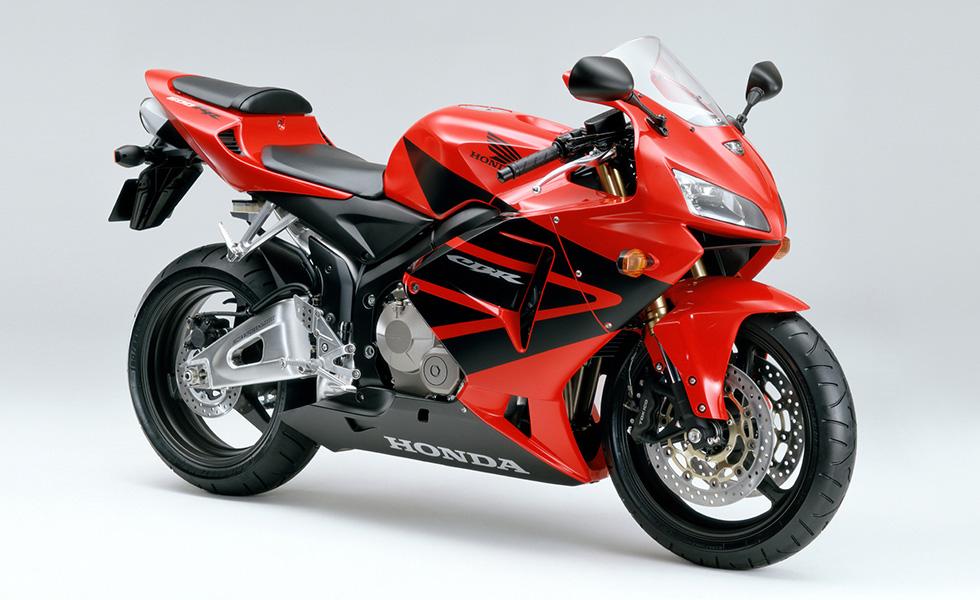 Honda スーパースポーツバイク Cbr600rr をフルモデルチェンジし発売