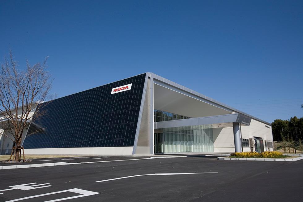 ホンダソルテック、太陽電池工場の開所式を実施