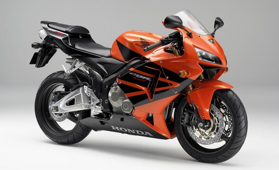 Honda スーパースポーツバイク cbr600rr のカラーリングを