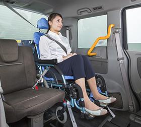 3列目乗車 運転席側シート使用時 車載型